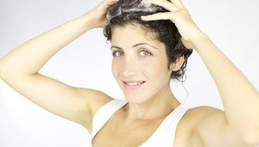how to shampoo hair properly at home