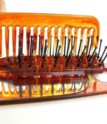 Choosing a brush or comb