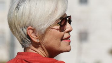 how to colour resistant grey hair